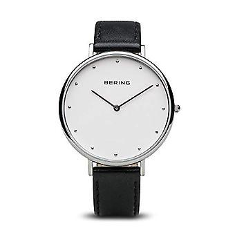 Bering Quartz analoge horloge met lederen armband 14839-404