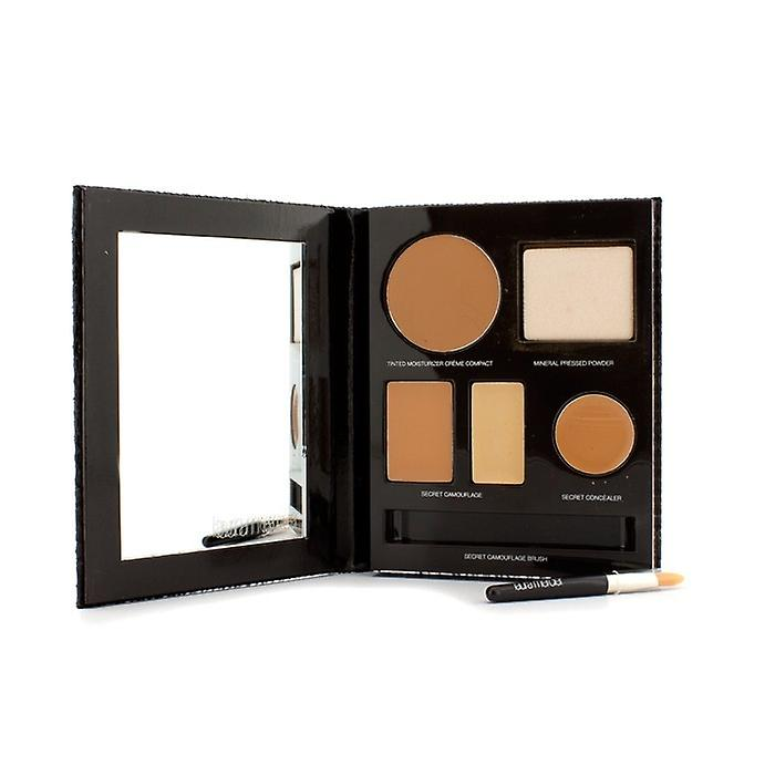 Laura Mercier Das Flawless Face Book - # Tan (1x Creme Compact, 1x Pressed Powder w / Schwamm, 1x Geheimnis Camouflage ...) 5pcs