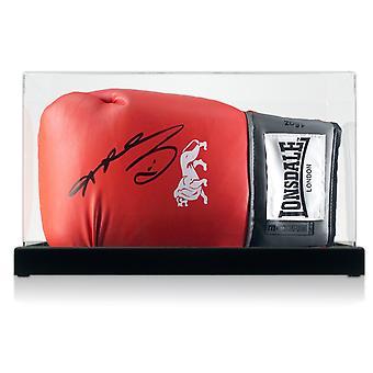 Sugar Ray Leonard signert røde boksehanske i displayet saken