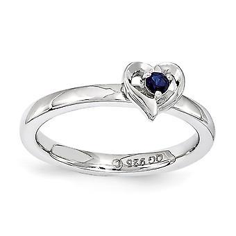 2,25 mm sterlingsølv poleret Prong sæt Rhodium-belagt stabelbare udtryk lavet Sapphire hjerte Ring - ringstørrelse: