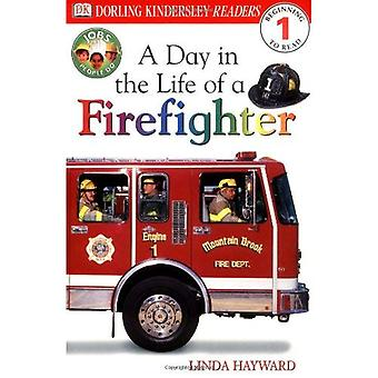 A Day in the Life of a Firefighter (DK Readers: Level 1)