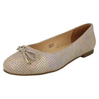 Ladies Van Dal Bow Detailed Shoes Tyler