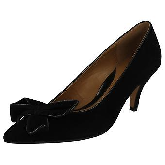 Ladies Clarks Softwear Smart Court Shoes With Bow