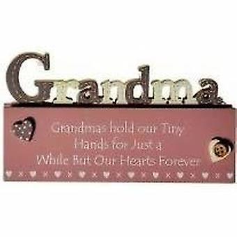 Mormor klippte ut på ord blocket