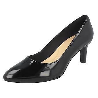 Дамы Clarks текстурированной суд обувь Калла Роуз - черный патент - размер 5,5 D UK - ЕС размер 39 - США размер 8M