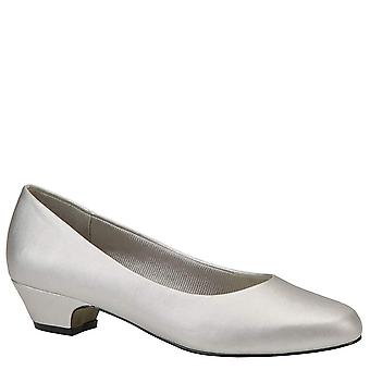 Easy Street Womens Halo Round Toe Classic Pumps