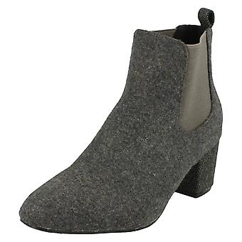 Ladies Spot On Textile Fabric Ankle Boots F50571