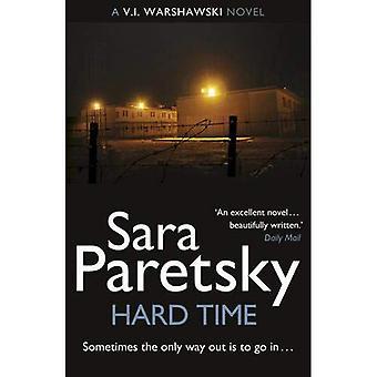 Moment difficile: Un roman de V.I. Warshawski