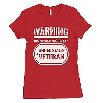 Mãe, protegida pelo veterano t-shirt vermelha Womens E.U. Exército mãe presente camisa