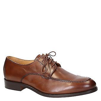 Vestido hecho a mano italiano zapatos para hombres en cuero marrón