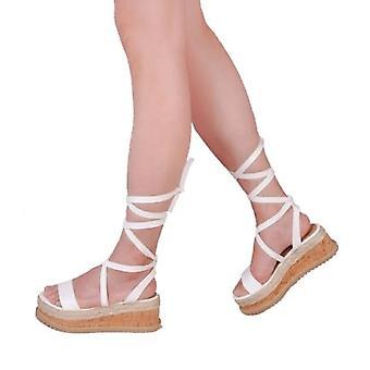 Sznurowane skórzane plecione Cork klina Espadrille płaskie sandały białe