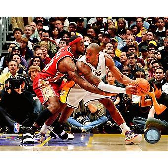 Lebron James & Kobe Bryant 2007-08 Action Photo Print (8 x 10)