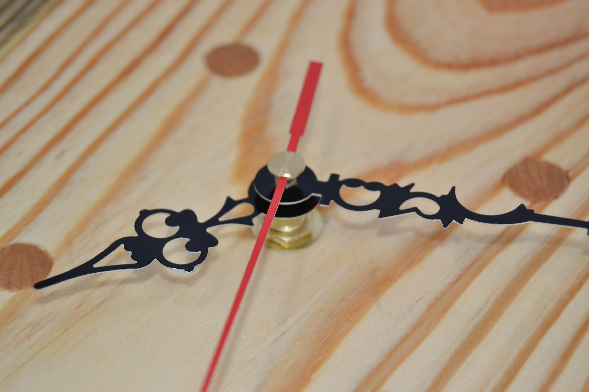 Holz Wanduhr  Holzuhr Uhr 24 cm Holz Unikat Natur Made in Austria Uhr Kiefer mit Kirsch Intarsien Pinus wallclock clock Geschenk Holzdekoration Holzdeko