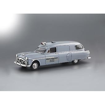 Brooklin Csv23 - 1951 Henney-Packard - Navy Ambulance