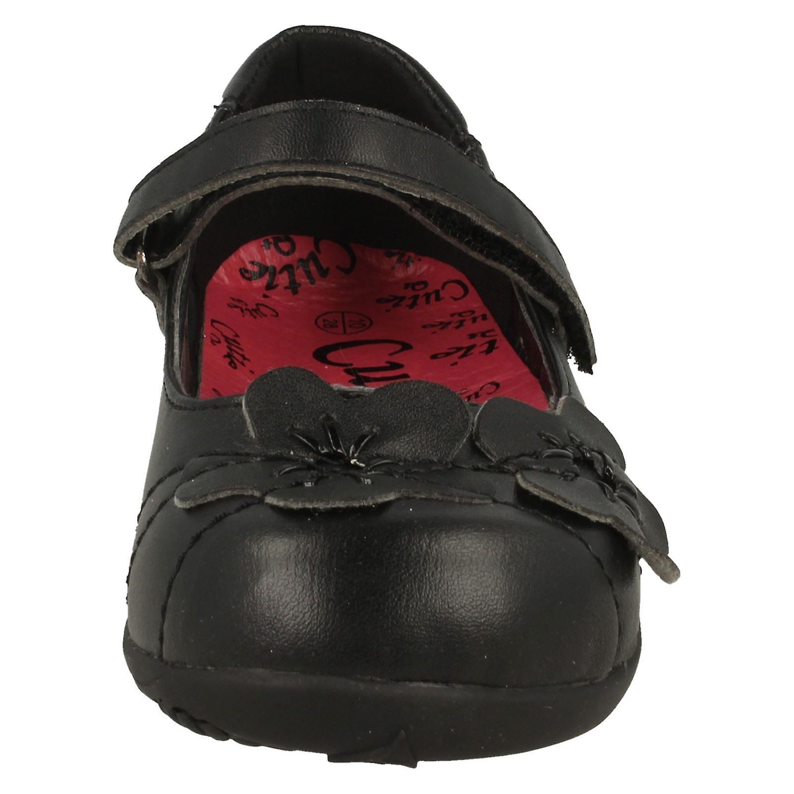 Girls Cutie Flat Shoe With Flower Trim