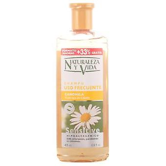 Naturaleza y Vida Sensitive Shampoo Camomile 300 + 100 ml