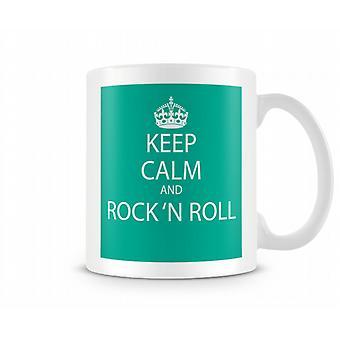 Behåll lugnet och Rock N Roll tryckta mugg