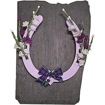Ærteblomst design lilla hest sko skotsk souvenir på skifer