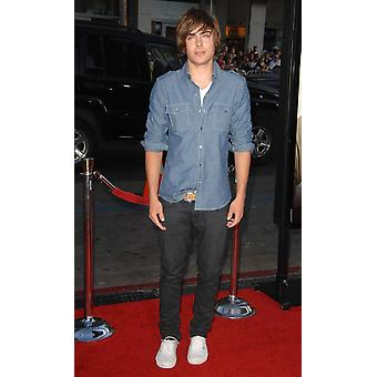 Zac Efron At Arrivals For Hangover Premiere GraumanS Chinese Theatre Los Angeles Ca June 2 2009 Photo By Dee CerconeEverett Collection Celebrity