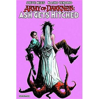 Army of Darkness - Ash Gets Hitched by Jae Lee - Francesco Francavilla