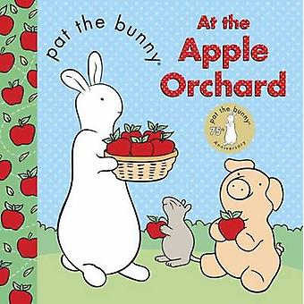 Pat the Bunny - At the Apple Orchard by Golden Books - 9780553512052 B