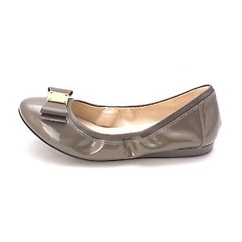 Cole Haan Womens CH1825S-1 Closed Toe Ballet Flats