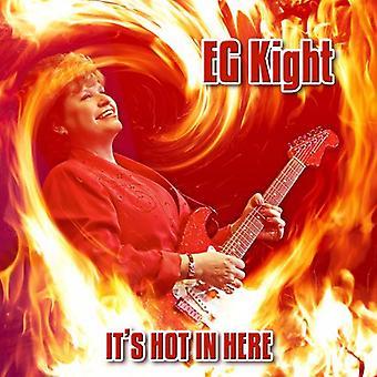 Z. B. Kight - es ist heiß hier [CD] USA importieren