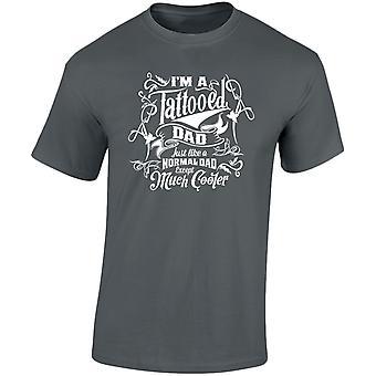 Je suis un tatoué papa sauf beaucoup plus fraîches Mens T-Shirt 10 couleurs (S-3XL) par swagwear