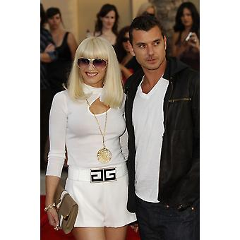 Gwen Stafani Gavin Rossdale At Arrivals For 2006 American Music Awards - Arrivals The Shrine Auditorium Los Angeles Ca November 21 2006 Photo By Michael GermanaEverett Collection Celebrity