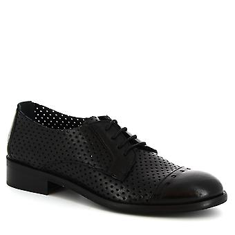 Chaussures Oxford à la main de Leonardo Chaussures femmes en cuir de veau ajourage noir