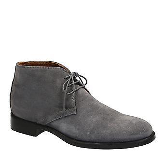 Chukka hombres botas en gamuza gris hecho en Italia