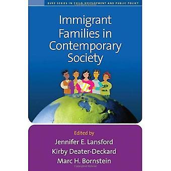 De gezinnen van immigranten in de hedendaagse samenleving (Duke serie in Develpment van het kind en de openbare orde)