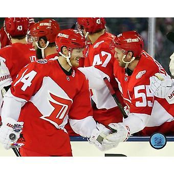 Gustav Nyquist & Niklas Kronwall 2016 NHL Stadium serien fotoutskrift (8 x 10)