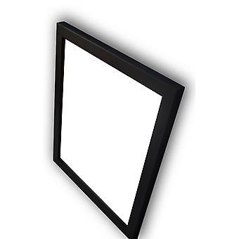Treramme i svart, indre dimensjoner 50 x 60 cm