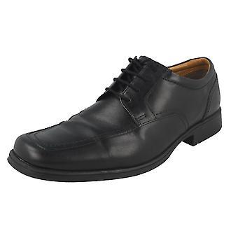 Mens Clarks formella spets upp skor Huckley våren