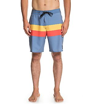 Quiksilver Highline Seasons 18 Mid Length Boardshorts