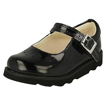 Girls Clarks Cut Out Detailed Shoes Crown Jump