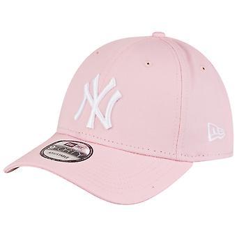 New Era 9Forty Strapback Cap - New York Yankees Pink