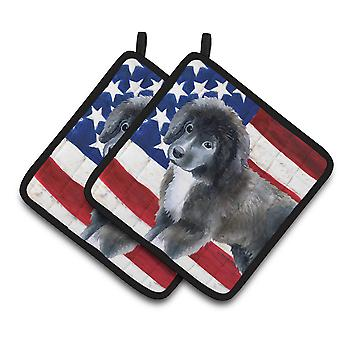 Carolines Treasures  BB9699PTHD Newfoundland Puppy Patriotic Pair of Pot Holders