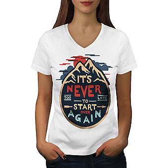 Never Too Late Frauen WhiteV-Neck T-shirt   Wellcoda