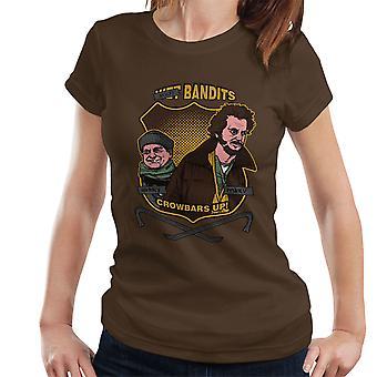 Sticky banditter hjem alene kvinders T-Shirt