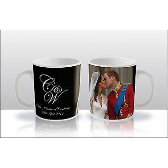 Cermaic Tea / kaffe rånar 11oz - Kungligt bröllop 2011 - Prins William & Kate Middleton Kissing - En mugg Levereras